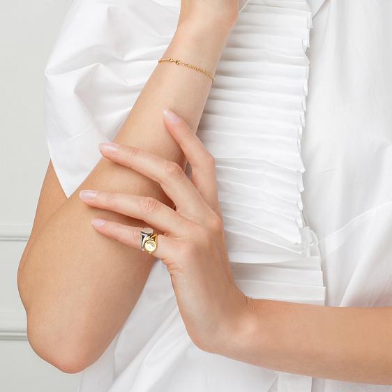 были объявлены кольца на мизинец фото женские числе удобств номеров